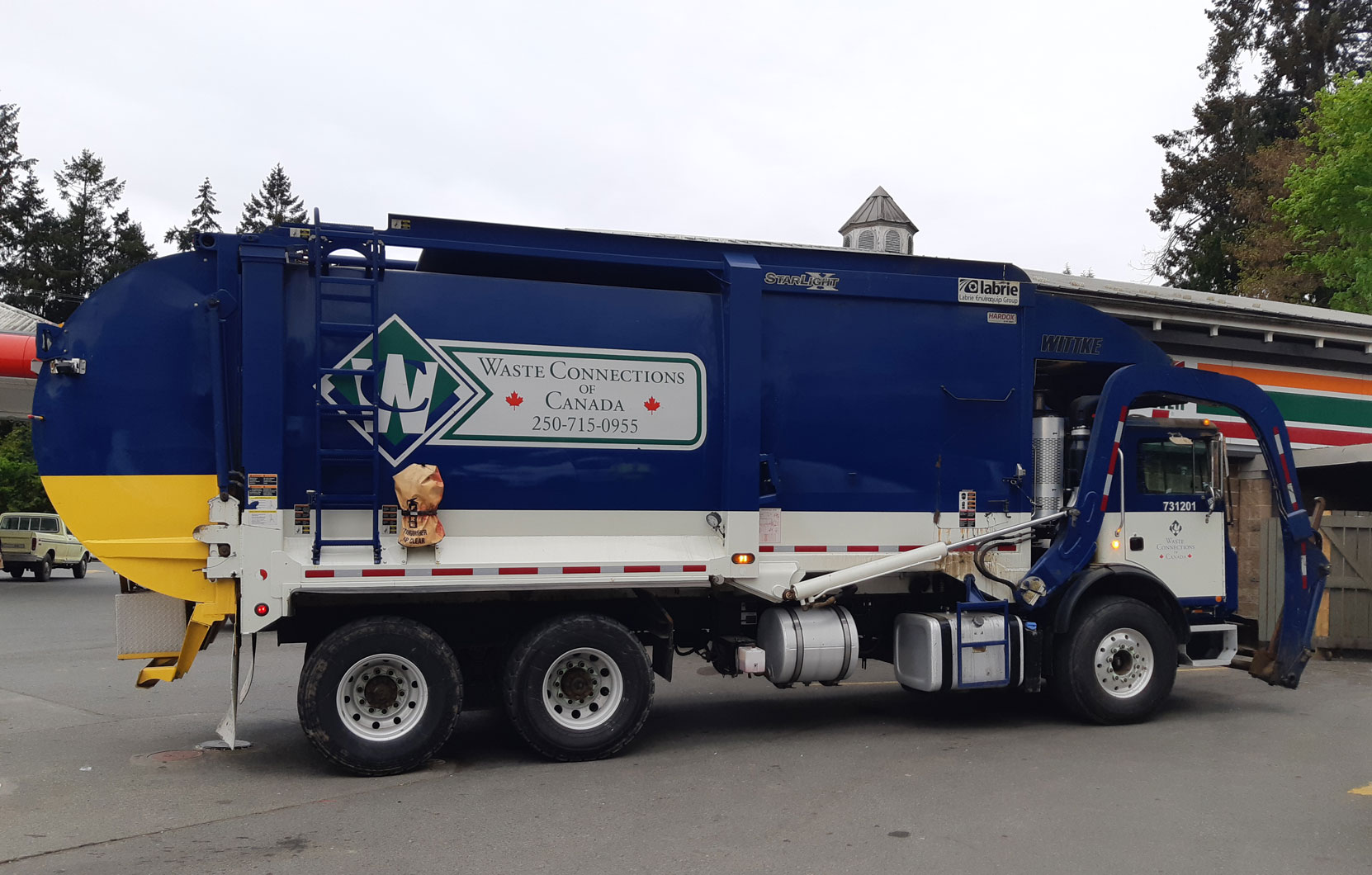 A Waste Connections Of Canada truck in Duncan, BC, April 2021 (photo: West Coast Driver Training)